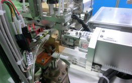 ロボットによる着磁作業の完全無人化