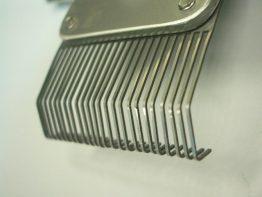 1_ワイヤーカット:櫛歯表